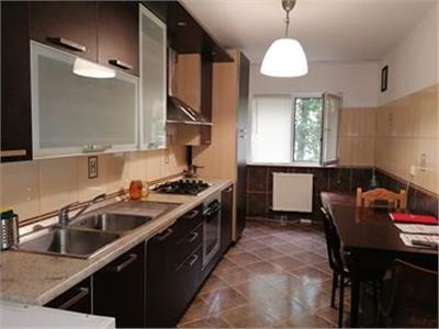 Apartament 3 camere zona Rivers Towers 270 euro disponibil imediat