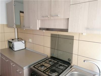 Apartament 2 camere semidecomandat IN PODU ROS
